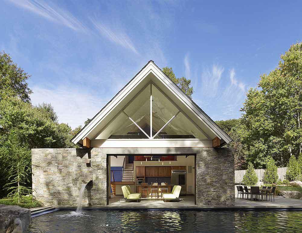 اتاق استخر لوکس با سقف شیروانی