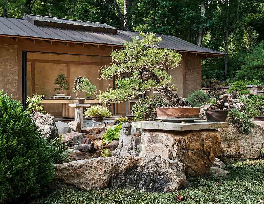 ایجاد یک نشیمن گاه هوشمندانه در باغ با طراحی آسیایی