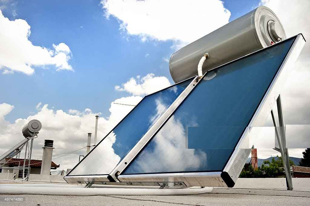 دو عدد آبگرمکن خورشیدی تخت