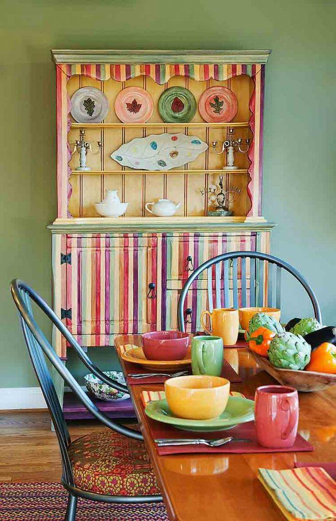 بوفه ظروف چينی رنگارنگ در طراحی داخلی ناهارخوری