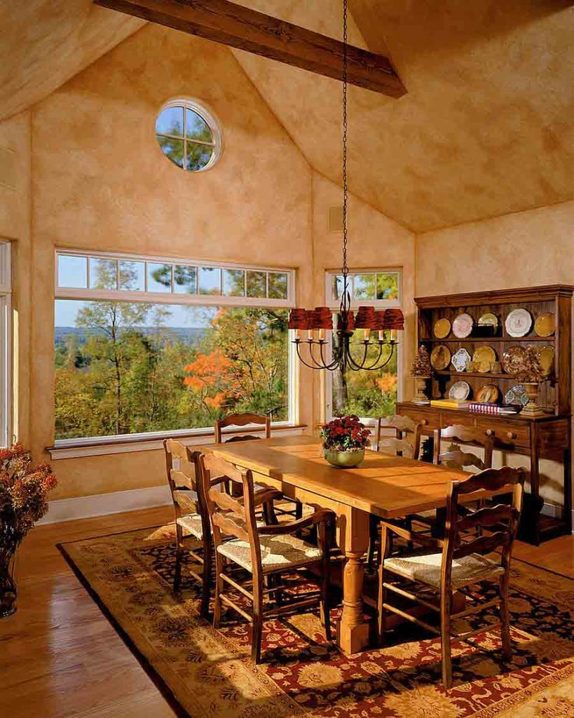 طراحي داخلی ناهارخوری با رنگ کرم ديوارها