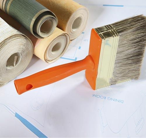 نصب رول های کاغذ دیواری و تمیز کردن آسان آن ها