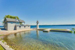 بخش ساحلي خانه رویایی در کنار ساحل دريا