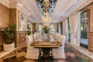 اتاق ناهار خوري و ميز بزرگ با شکوه خانه لوکس