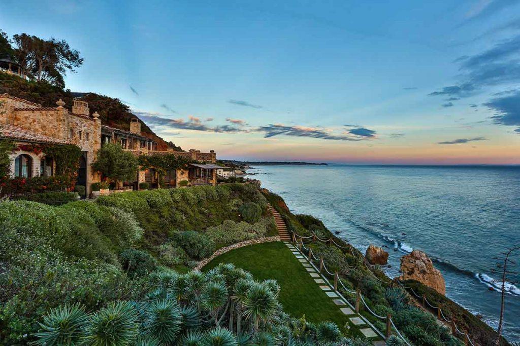 نماي کامل خانه لوکس ساحلي