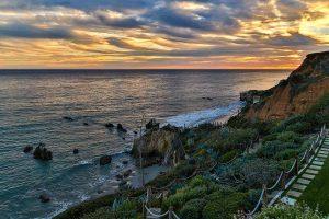 چشم انداز ساحل از حياط خانه لوکس