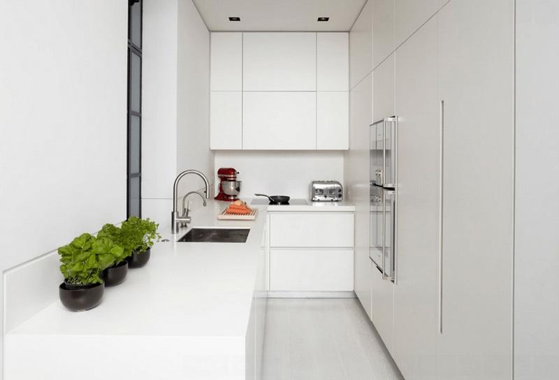 طراحي دکوراسيون آشپزخانه آشپزخانه کوچک سفيد