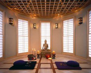 مجسمه بودا در اتاق مديتيشن