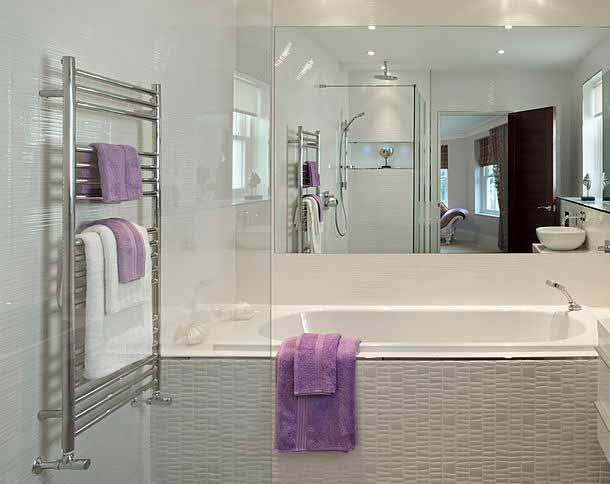 رادیاتور حوله ای در حمام