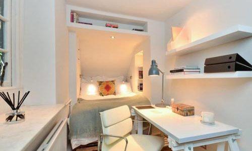دکوراسیون اتاق خواب کوچک با ميز مطالعه و تخت دونفره