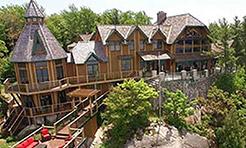 نماي از بالاي ساختمان های لوکس