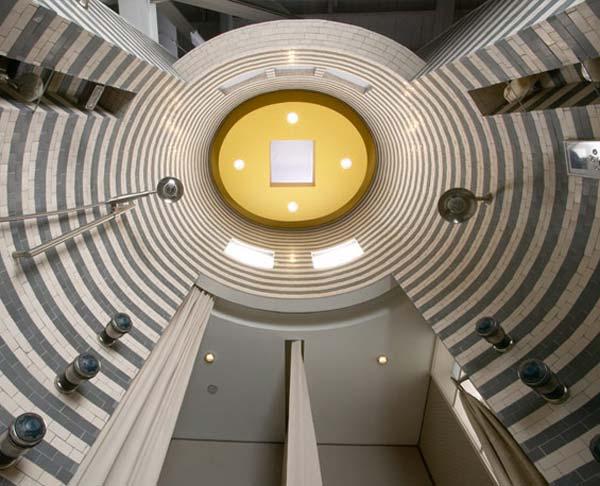 برج آبگرم در حمام