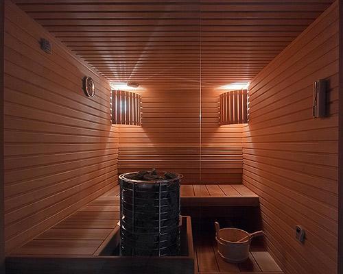 نمای چوبی یک مکان که بسیار شیک و جذاب می باشد