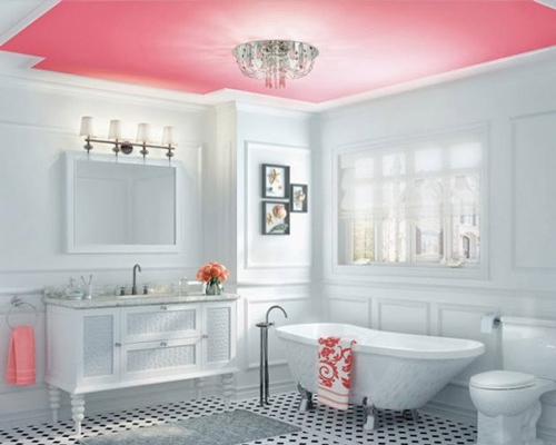 استفاده از رنگ روشن پاستيلي و سقف قرمز در طراحي دکوراسيون حمام