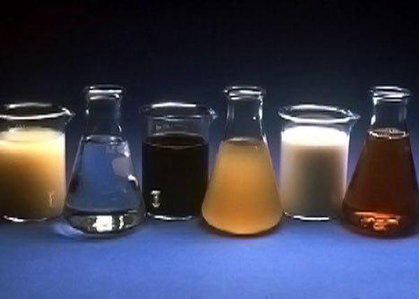 نمونه هايي از افزودنی های شیمیایی بتن