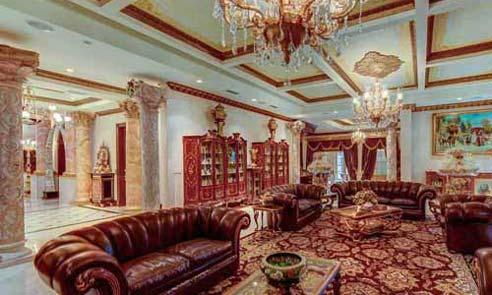 مبلمان زیبای چرمی در سالن نشیمن