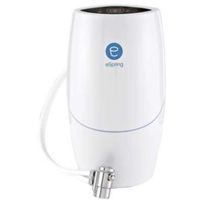 دستگاه تصفیه آب خانگی سفید رنگ