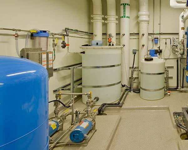 نمونه یک سختی گیر شیمیایی نصب شده رد سیستم تاسیسات