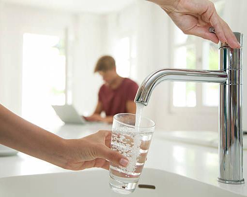 آب تصفیه شده و قابل آشامیدن