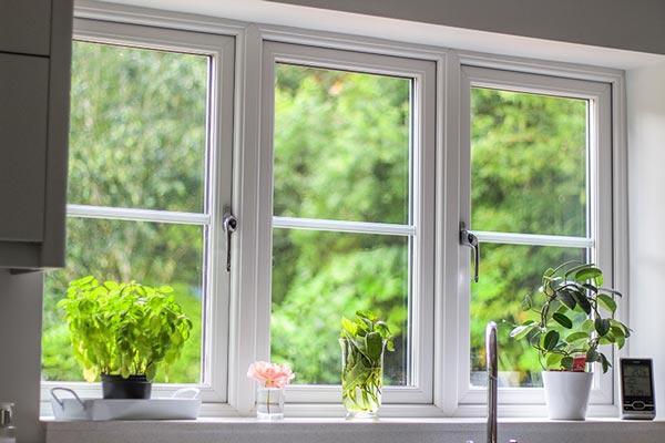 نمونه ای از پنجره upvc در آشپزخانه