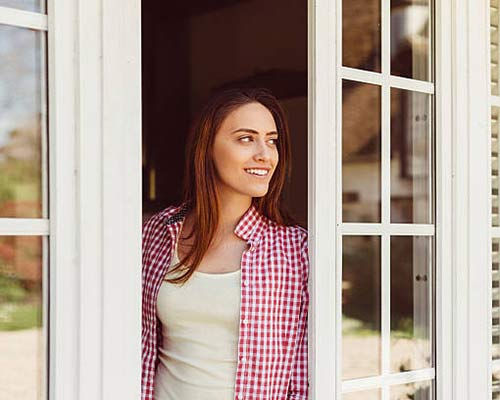 پنجره دو جداره با نصب سریع و آسان و دارای قابلیت بازیافت و دارای مزایای متعدد دیگری نیز می باشد
