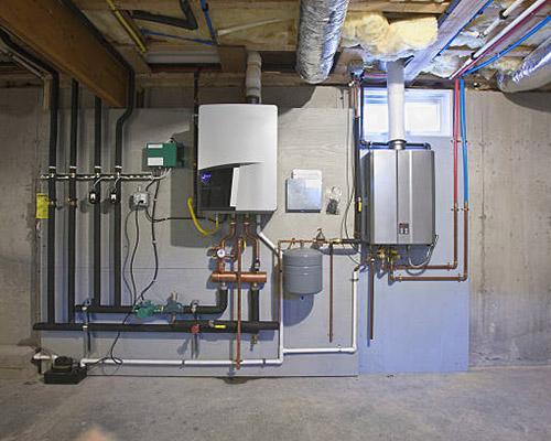 پکیج های شوفاژ دیواری نصب شده در یک موتور خانه