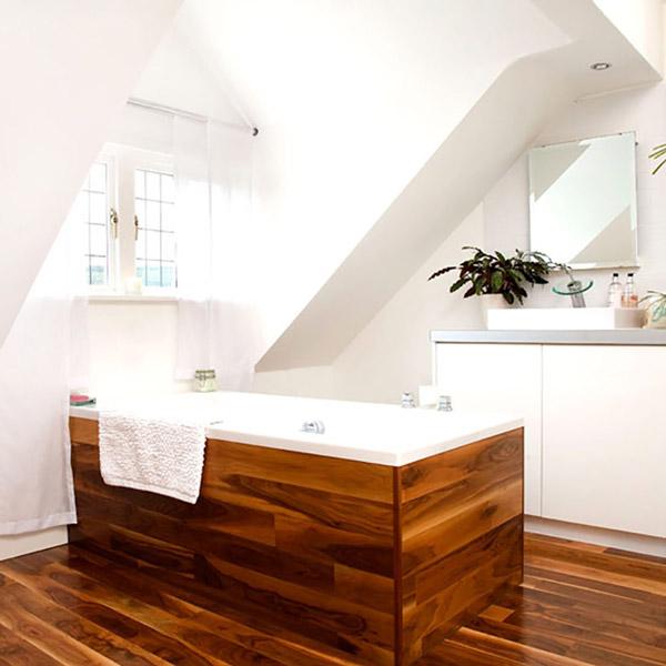کفپوش چوبی در حمام و دیواره های چوبی وان