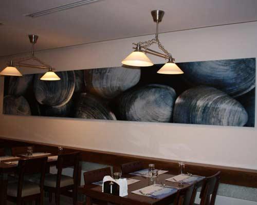 پتینه کاری بر روی دیوار رستوران