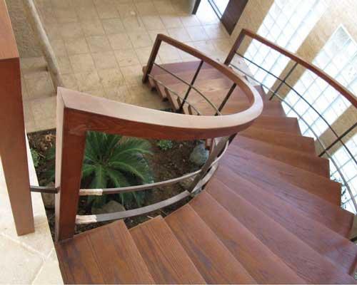 پله پیش ساخته از نمای بالا