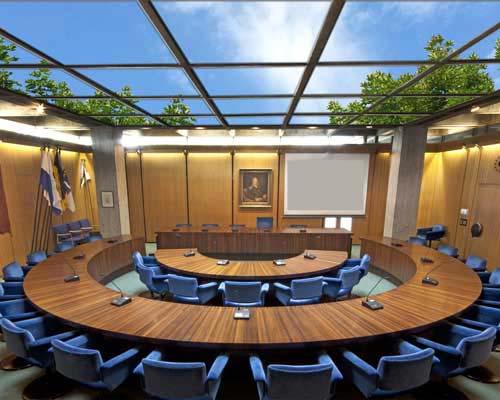 استفاده از سقف آسمان مجازی در سالن جلسات