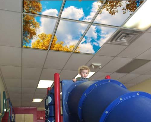 سقف کاذب طرح برگ در سقف مهد کودک