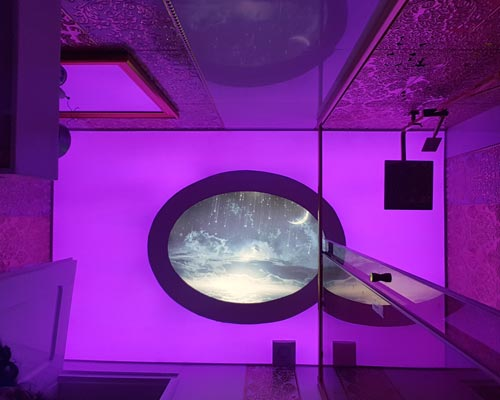 استفاده از سقف کشسانی نیمه شفاف و چاپی به صورت ترکیبی