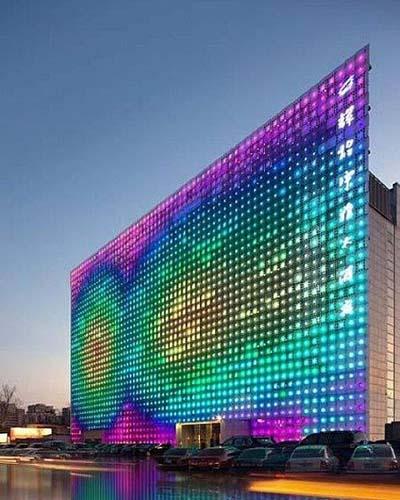 استفاده از لامپ های ال ای دی با روشنایی گوناگون در ساختمان