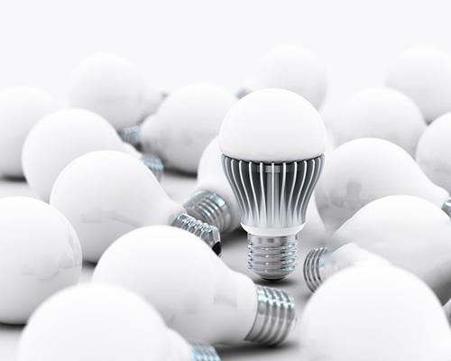 تفاوت انواع لامپ ها مانند لام های ال ای دی با کم مصرف و همچنین لامپ سی او بی با لامپ اس ام دی