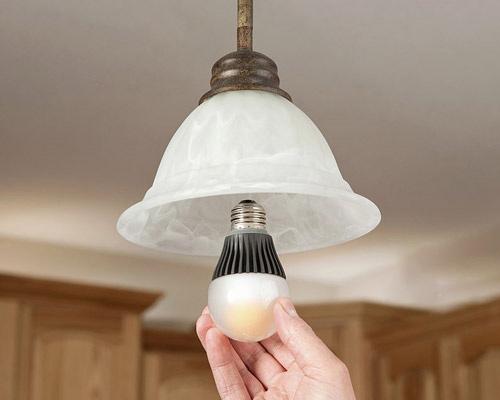 مقایسه لامپ LED با کم مصرف