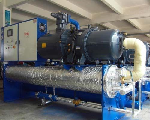 نمای نهایی چیلر آبی به همراه ساخت کندانسور آب خنک چیلر