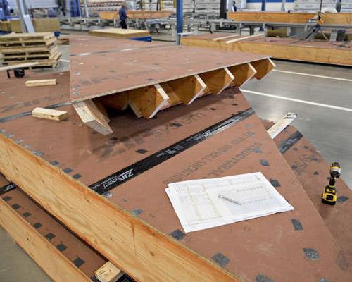 کارخانه انواع عایق ساختمانی رو در این عکس مشاهده می نمایید