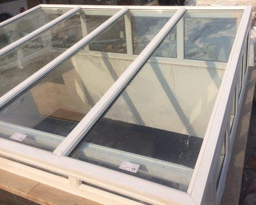 اجرای سقف شیشه ای دوجداره یو پی وی سی