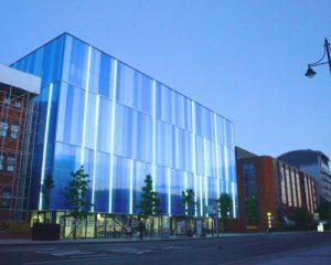 کاربرد نئون فلکسی های 220 ولت در نورپردازی و طراحی روشنایی نمای ساختمان های اداری و تجاری