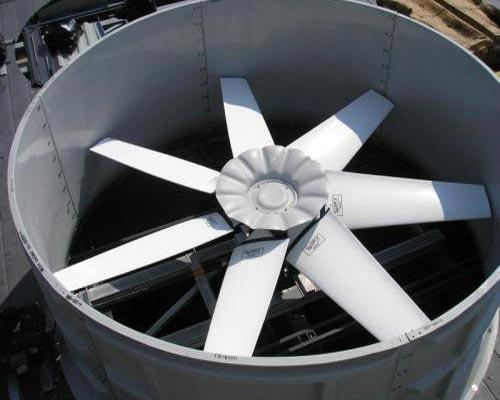 فن کولینگ تاور وظیفه ایجاد جریان در برج خنک کن را دارد. این قسمت از برج های خنک کننده توسط یک الکترو موتور به گردش در می آید. فن های برج های خنک کن به سه صورت شعاعی بکوارد و فوروارد می باشد.