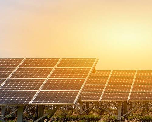 نیروگاه تولید برق خورشیدی با استفاده از پنل خورشیدی فتوولتائیک