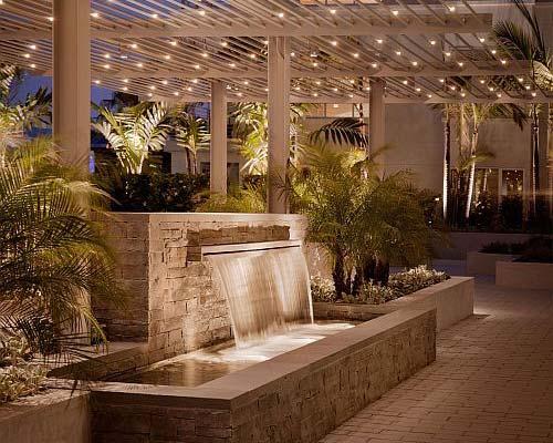 طراحی و ساخت نورپردازی روف گاردن و آبنما در بام