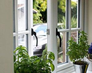 بازشو یک طرفه پنجره یو پی وی سی