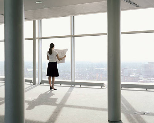 پنجره مناسب برای برج که تمام قد و نور گذر مناسبی می باشد.