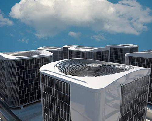 برج خنک کننده چیلر نصب شده در پشت بام