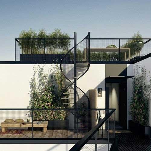 دسترسی به باغ بام با پله گرد آهنی زیبا