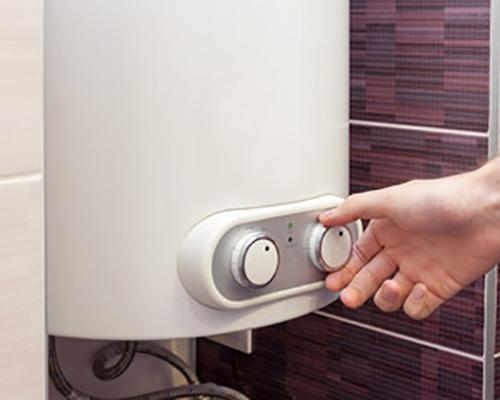 پکیج برقی شوفاژ با بدنه سفید رنگ