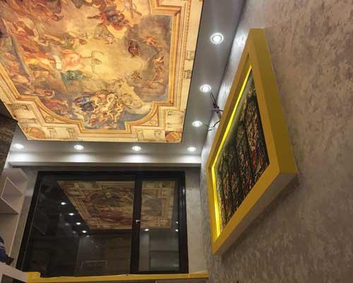 نصب سقف کشسانی چاپی با طرح کلاسیک در لابی