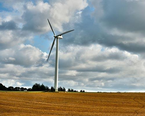 توربین بادی می واند پشتیبان سیستم های خورشیدی منفصل از شبکه باشد