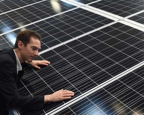 طراحی ، اجرا و مشاوره برای نیروگاه های خورشیدی و نصب صفحات خورشیدی خانگی
